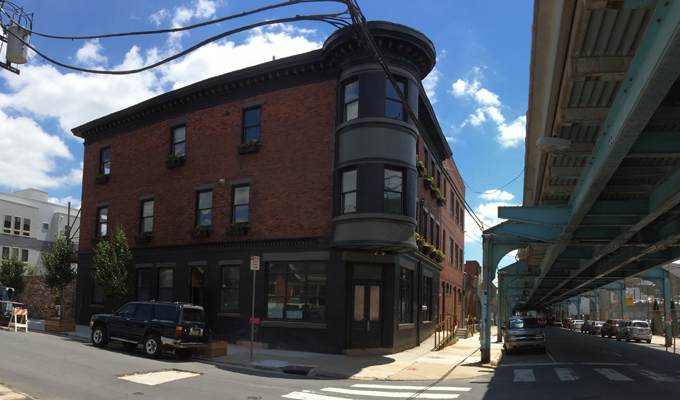 Front Street Cafe at the corner of Front Street and Thompson Street one block from the Girard El stop. Photo taken July 2015.