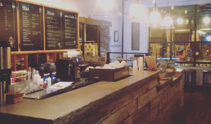 Front Street Cafe is now open all day. Their coffee shop stays open late night while the restaurant kitchen is still open.